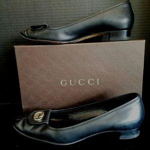 Gucci GG leather flat